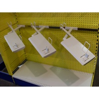 Kit : Chainsaw Display (3) (inc. Heavy Duty Display Bar Kit : 1200 MM (W) x 50 MM (H)(TT109)) -WHITE